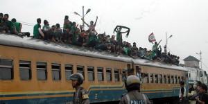 bonek - police - train