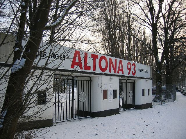 1. Altona 1024px-Adolf-Jaeger-Kampfbahn_26DEC2005 - Small